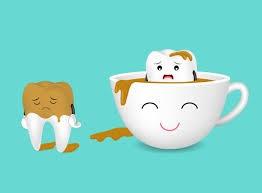 لکه قهوه بر روی دندان ها